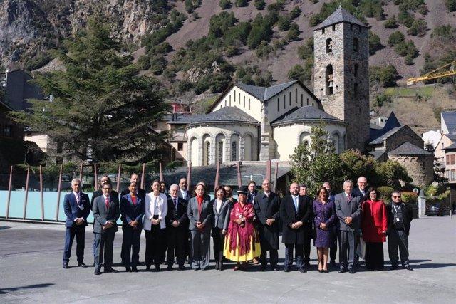 Foto de família dels assistents a la reunió ministerial de turisme de la Cimera Iberoamericana que es va celebrar a principis de març a Andorra la Vella