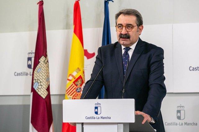 El consejero de Sanidad, Jesús Fernández Sanz