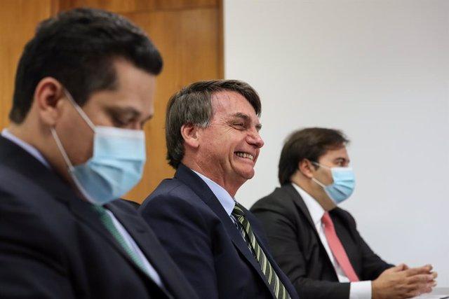 """Coronavirus.- Bolsonaro anuncia la apertura """"inminente"""" de la economía tras un n"""