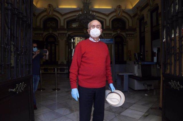 El alcalde de Málaga, Francisco de la Torre, se reincopora y retoma su agenda tras ser  ingresado por un hematoma subdural crónico en abril y operado con éxito