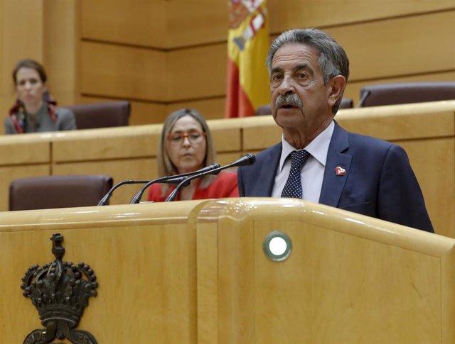 El presidente de Cantabria, Miguel Ángel Revilla,