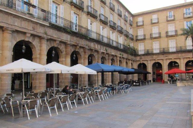 Terrazas En La Plaza Nueva