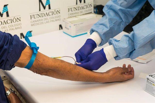 El Colegio de Médicos de Las Palmas hará test rápidos a todos sus colegiado