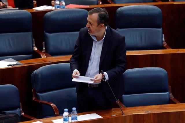 El diputado de Ciudadanos Alberto Reyero, durante su intervención en el pleno celebrado este jueves en la Asamblea de Madrid
