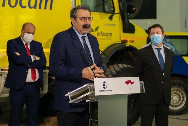 Consejero de Sanidad, Jesús Fernández, en el Centro Operativo Provincial (COP) de prevención de incendios de la provincia de Cuenca