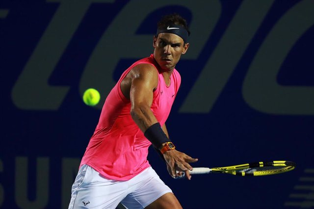 25 February 2020, Mexico, Acapulco: Spanish tennis player Rafael Nadal in action against compatriot Pablo Andujar during their round of 32 match at the Mexican Open tennis tournament in Acapulco. Photo: Francisco Estrada/NOTIMEX/dpa