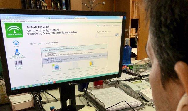 La Junta pone en marcha la plataforma 'Notific@' para agilizar los trámites ambi