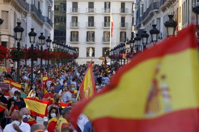 Protestas en la céntrica calle Larios de Málaga contra la gestión del Gobierno durante el Estado de Alarma por el COVID-19. Málaga a 21 de mayo 2020