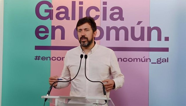 Rieda de prensa del portavoz de Galicia en Común-Anova Mareas, Antón Gómez-Reino