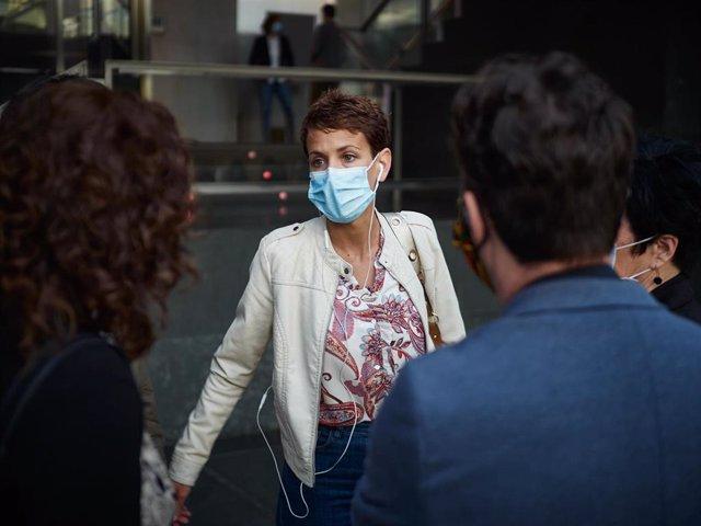 La presidenta del Gobierno de Navarra, María Chivite, a su llegada al Parlamento de Navarra donde se ha rechazado, con los votos en contra de PSN, Geroa Bai, EH Bildu, Podemos e I-E, una moción de Navarra Suma por la que se instaba al Gobierno foral a que