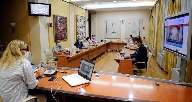 Reunión de la Mesa de la Asamblea de cara al pleno del martes día 26 en la Cámara autonómica