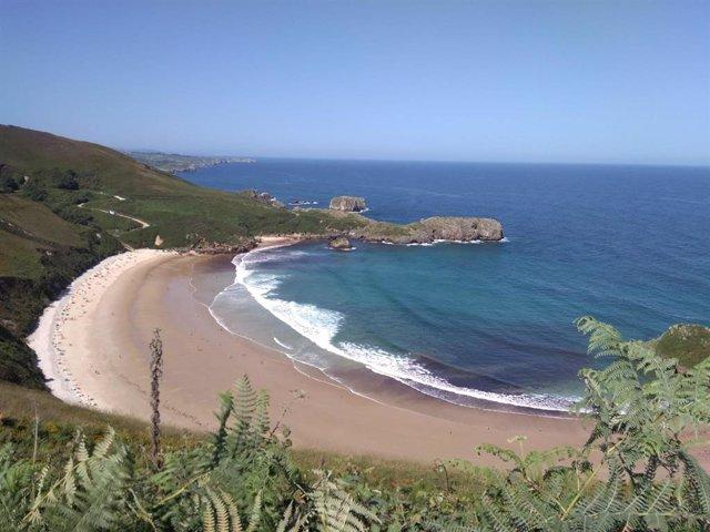 Playa de Torimbia, en Llanes.