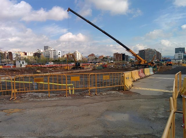 Obres de construcció de la nova plaça de Glòries, a Barcelona, en una imatge d'arxiu