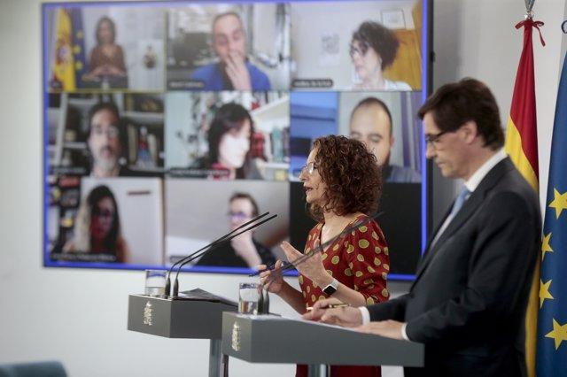 María Jesús Montero y Salvador Illa en la rueda de prensa en La Moncloa