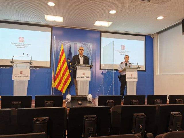 El director del Servei Català de Trànsit, Juli Gendrau, y el jefe de la Comisaría General de Movilidad de los Mossos, Joan Carles Molinero