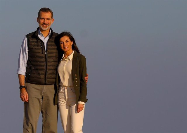 Los Reyes celebran dieciséis años de casados en medio de la crisis sanitaria