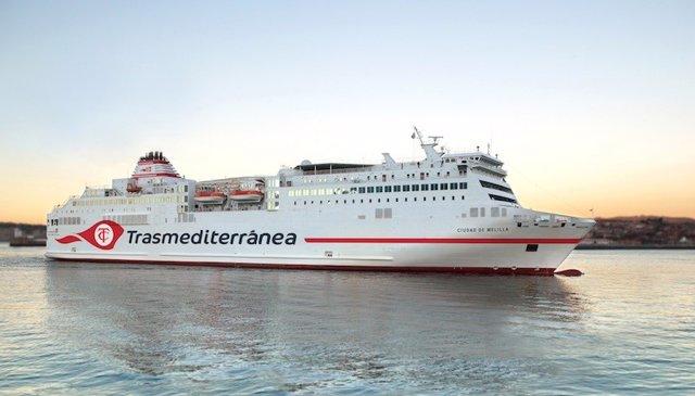 Barco que realiza el trayecto Melilla-Málaga