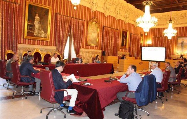 El alcalde de Sevilla, Juan Espadas, preside el consejo asesor del 'Plan 8' de reactivación del turismo en la ciudad.