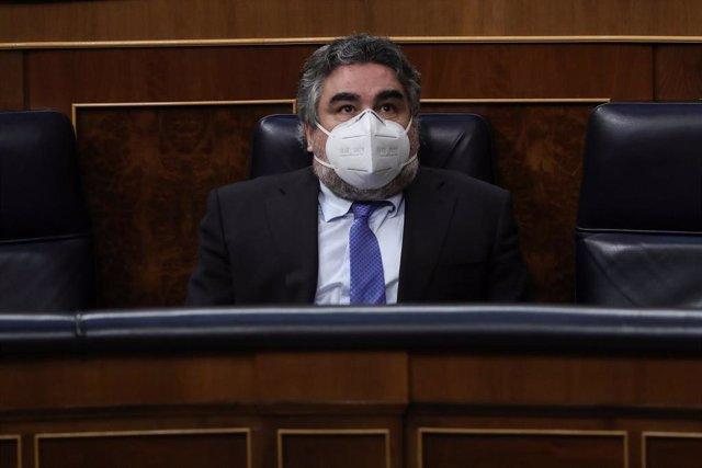El ministro de Cultura y Deporte, José Manuel Rodríguez Uribes, durante el debate este miércoles en el Congreso