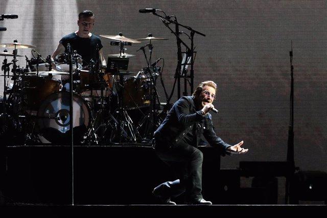 U2 Performs At University Of Phoenix Stadium