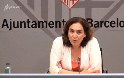 Ada Colau aborda amb la Generalitat si els barcelonins poden anar a ciutats metropolitanes