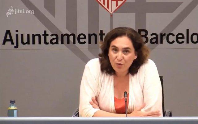 L'alcaldessa de Barcelona, Ada Colau, ha explicat en una roda de premsa aquest divendres que el consistori i la Generalitat decidiran si els barcelonins poden anar a ciutats metropolitanes.
