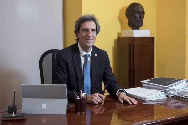 El presidente del Colegio de Médicos de Madrid, el doctor Miguel Ángel Sánchez Chillón