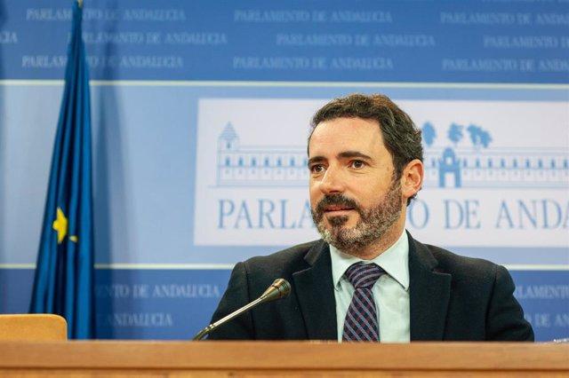 [Comunicación Pp Andaluz]Nota, Audios Y Fotos De José Ramón Carmona En Rueda De Prensa En El Parlamento Hoy