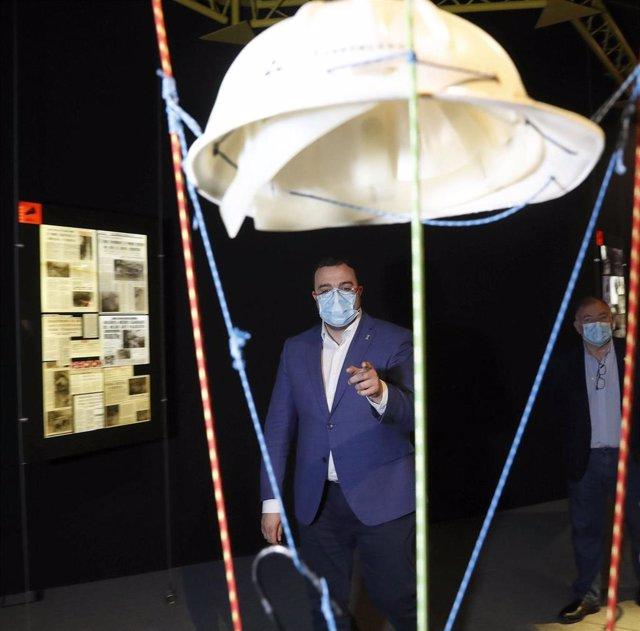 El Presidente del Principado, Adrián Barbón, visita el Centro de Arte Rupestre Tito Bustillo en Ribadesella.