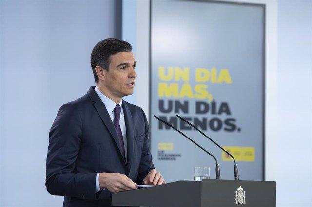 El presidente del Gobierno, Pedro Sánchez, comparece en una rueda de prensa telemática en  el Palacio de la Moncloa. En Madrid, (España), a 16 de mayo de 2020.