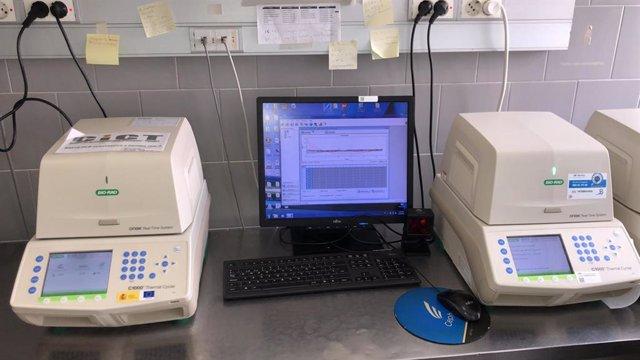 Equipo para la realización de test PCR cedido en marzo por la UJA al Complejo Hospitalario de Jaén