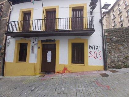 """PNV de Arrasate denuncia un ataque al batzoki de la localidad y pide a los todos partidos """"valentía"""" para condenarlo"""