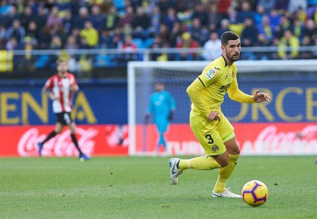 El jugador español Álvaro González en un partido con el Villarreal