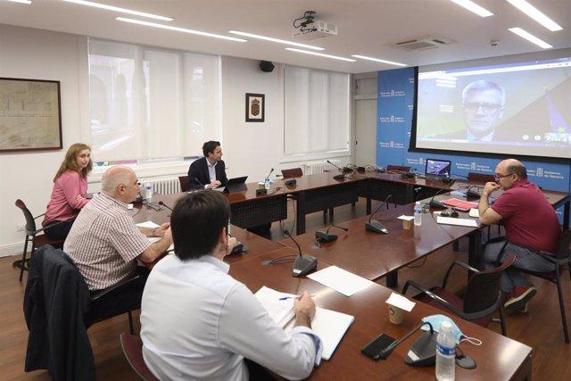 Videoconferencia entre José Mª Aierdi y David Lucas Parrón, secretario general de Agenda Urbana