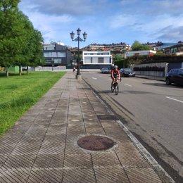 Ciclista en Montecerrao, Oviedo, el 2 de mayo
