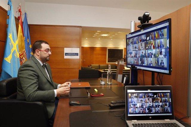 El presidente del Principado, Adrián Barbón, participa en la videoconferencia de presidentes de este domingo 24 de mayo.