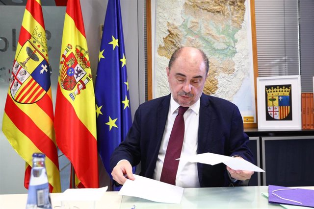 Javier Lambán participa en la undécima videoconferencia de presidentes autonómicos con Pedro Sánchez