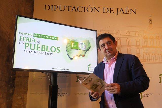 Francisco Reyes en la presentación de la Feria de los Pueblos (Foto de archivo).