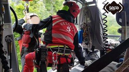 Rescatan ilesas a dos personas desorientadas mientras hacían la ruta del Pico Vízcares, en Piloña