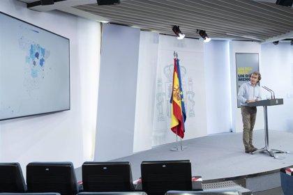 Moncloa recupera la asistencia presencial a las ruedas de prensa y limita a una veintena los periodistas que acudirán
