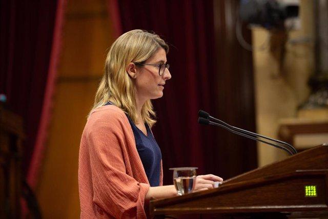 La concejala del Ayuntamiento de Barcelona Elsa Artadi, durante su intervención en el pleno del Parlamento de Cataluña.