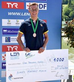 Alberto Martínez tras quedar tercero en una prueba de la LEN Open Water Cup