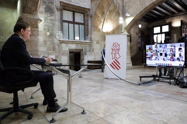 Ximo Puig, este lunes desde el Palau de la Generalitat.