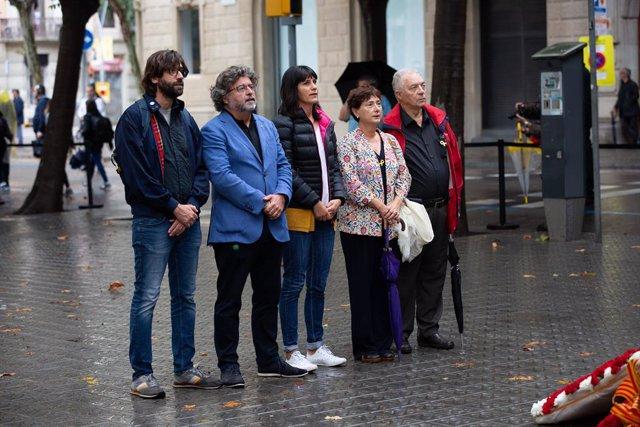 El portaveu de Demòcrates i diputat del Parlament --en el grup d'ERC--, Toni Castellà, encapçala l'ofrena floral de Demòcrates de Catalunya al monument a Rafael de Casanova, dins dels actes de la Diada de Catalunya 2019, a Barcelona  (Espanya) a 1