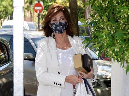 Ana Rosa Quintana afronta la Fase 1 con una mascarilla con mucho estilo
