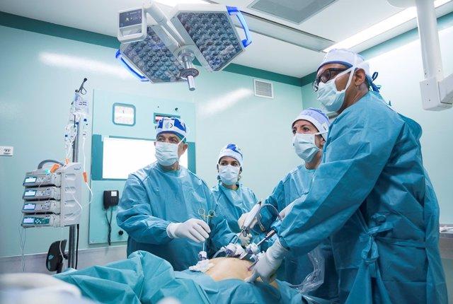 La doctora Constanza Ballesta Ferrer, una de las mayores expertas europeas en cirugía de la obesidad y endocrinología, actual codirectora del Centro Laparoscópico Dr. Ballesta (CLB) en el Centro Médico Teknon de Barcelona