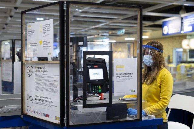 Economía.- Ikea cancela el ERTE de la plantilla a pesar de no estar 100% operati