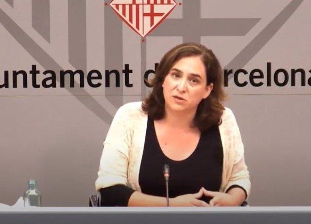 La alcaldesa de Barcelona, Ada Colau, en una rueda de prensa telemática