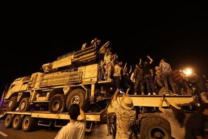 Más de un millar de mercenarios rusos y sirios se retiran del frente de batalla en Libia