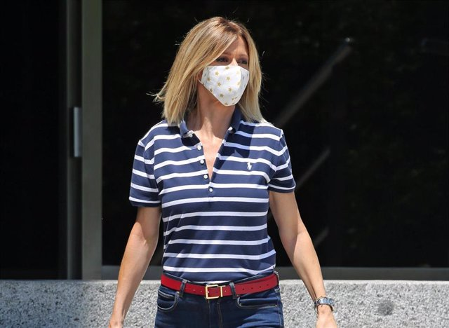 Susanna Griso  protegida con mascarilla